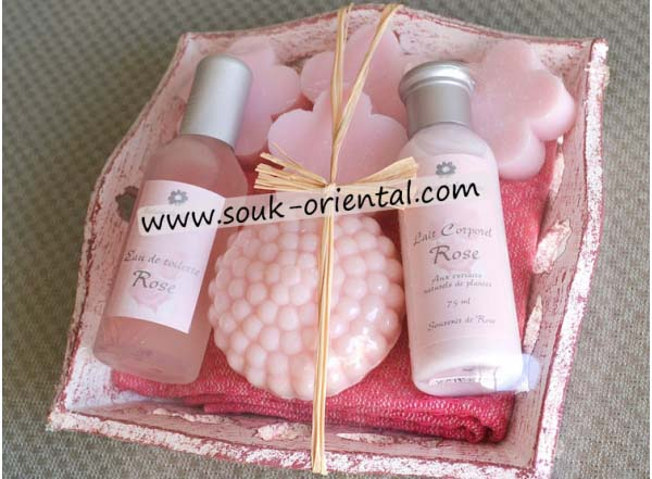 Box rosy, floral water & milk, soap