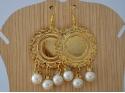 Boucles d'Oreille cercle doré et perles blanches