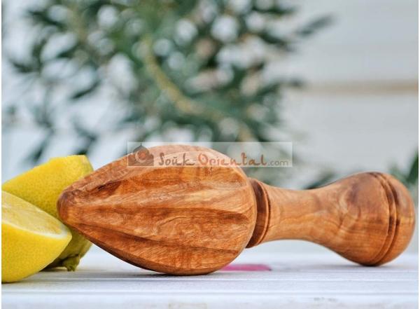Presse agrumes en bois d'olivier